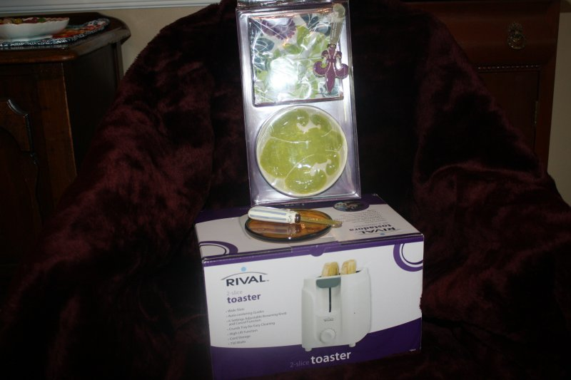 5. toaster,cheese ball plate,dip bowl w/spreader