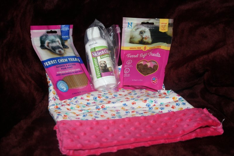 19. Pink sleep sacks w/treats