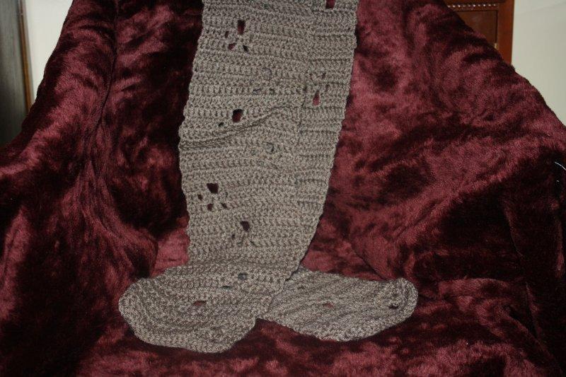 23. Brown paw print scarf