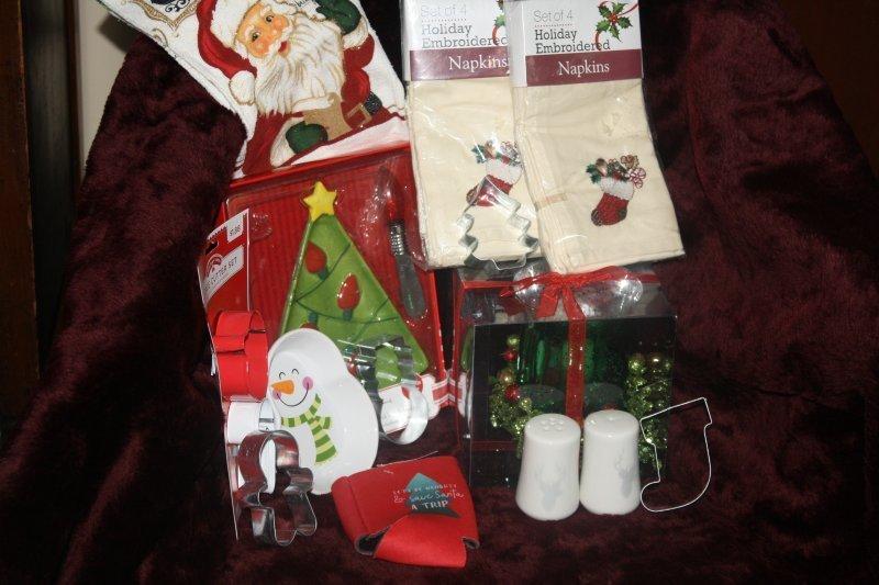 222. Kitchen Christmas basket