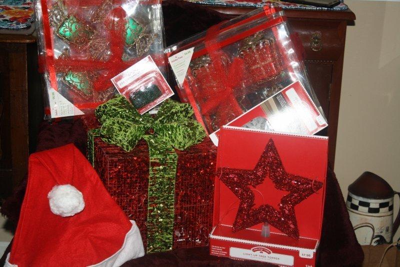 223. Christmas ornaments w/extras