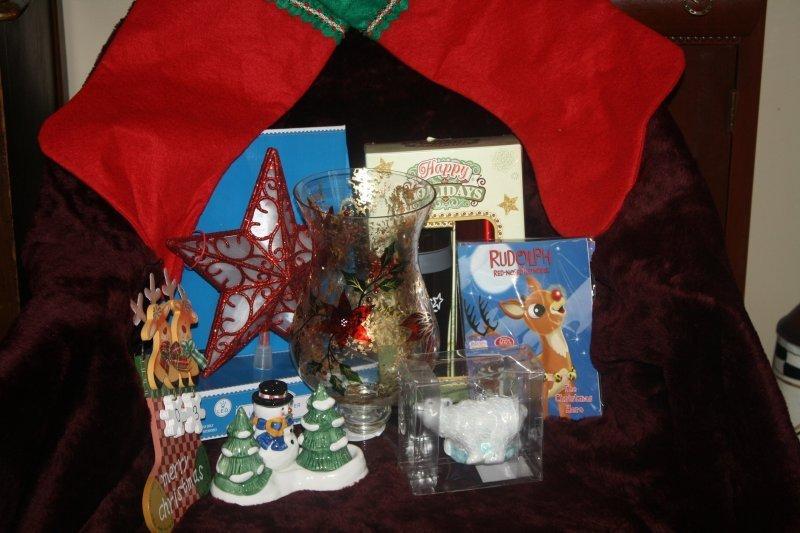 224. Christmas basket w/hurricaine lamp
