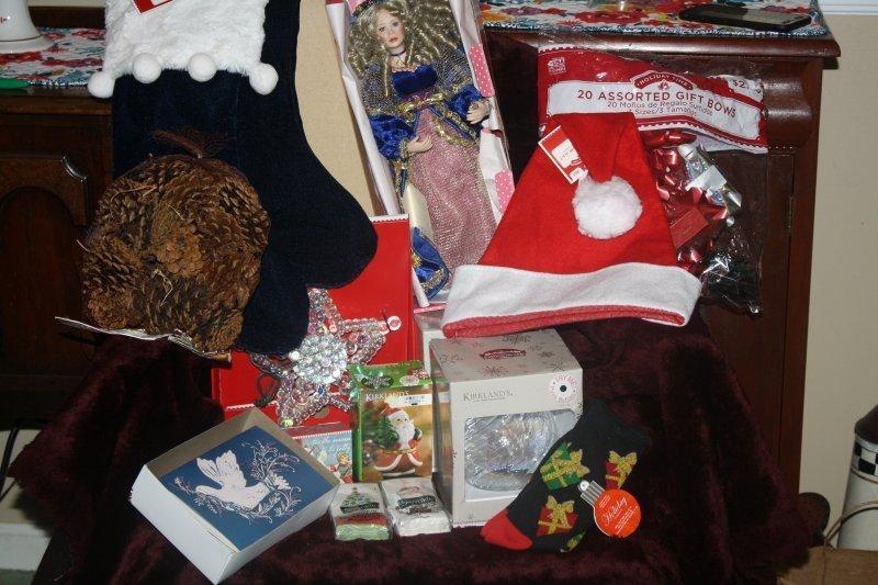 225. Singing doll w/christmas basket
